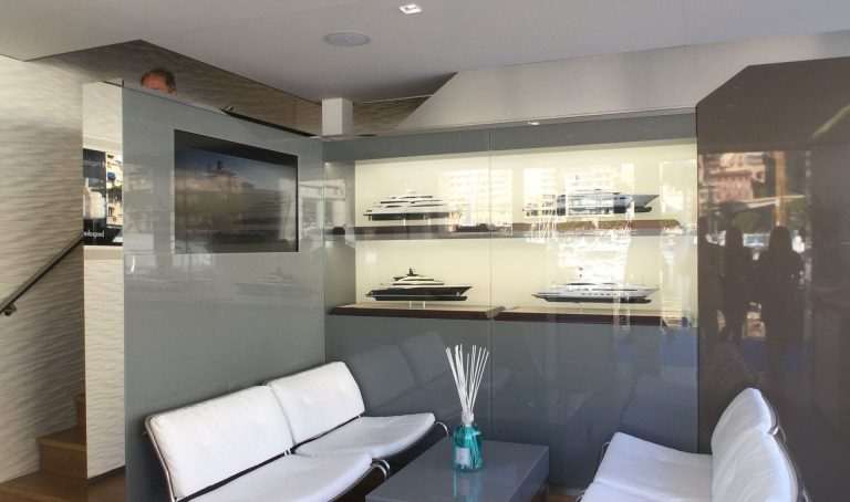 CRN Yachts Stand