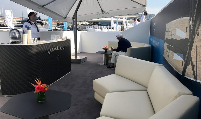 Wally Stand - Cannes